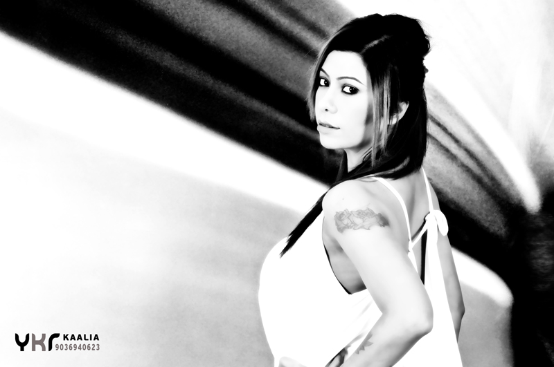 Fashion Portfolio Black and White, best photography in black and white, India's best model, bombay model